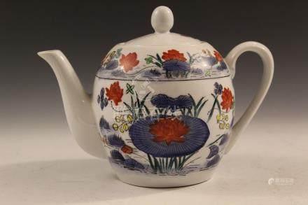 Chinese porcelain teapot.