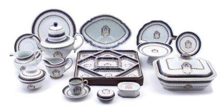 A Chinese Export Porcelain Part Dinner Service