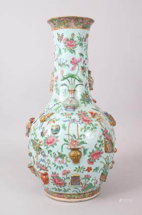 A GOOD 19TH CENTURY CHINESE CANTONESE THOUSAND OBJECT BALAUSTER SHAPE PORCELAIN VASE, the body