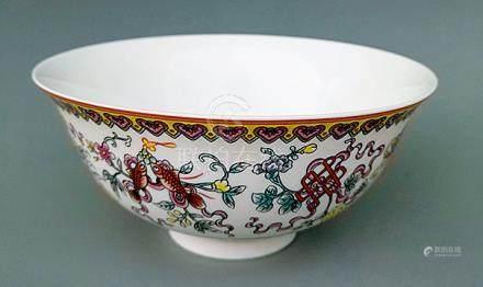 粉彩花卉紋碗