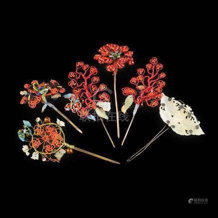 Y COLLECTION OF SIX HAIRPINS LATE QING DYNASTY/REPUBLIC PERI