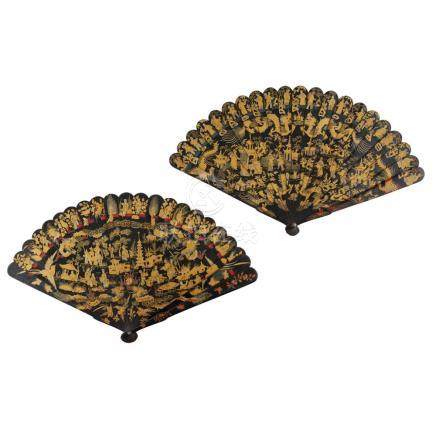 TWO GILT AND BLACK LACQUER BRISÉ FANS QING DYNASTY, 19TH CEN