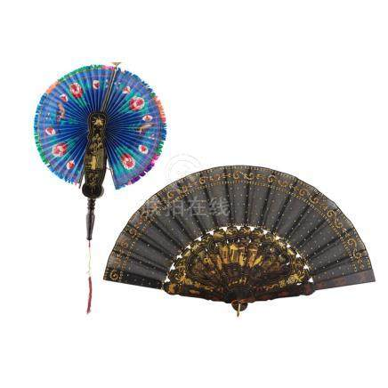 PAINTED COCKADE FAN QING DYNASTY, 19TH CENTURY largest 51cm