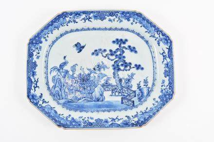 Blue and white large export charger Chinese, circa 1800 having garden scene with pine tree and two