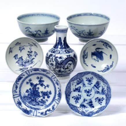Small blue and white vase Chinese, 19th Century with dragon decoration, Kangxi mark 13cm and six