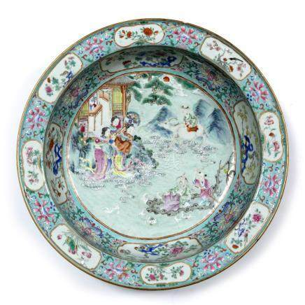 Turquoise-ground famille rose basin Chinese, Jiaqing (1796-1799) decorated with a central scene