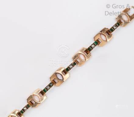 Bracelet en or rose 14K, les maillons articulés par des ponts pavés de diamants