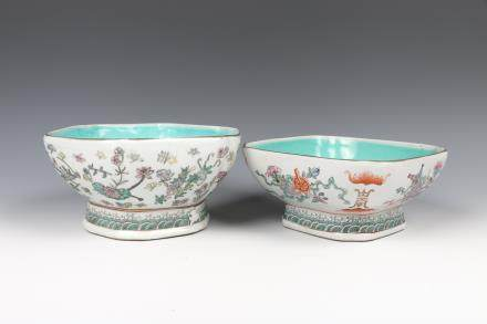 PAIR OF CHINESE FAMILLE-ROSE BOWLS, TONGZHI MARK