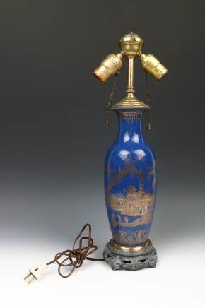 EXPORT POWDER BLUE AND GILT DECORATED VASE, 18TH C
