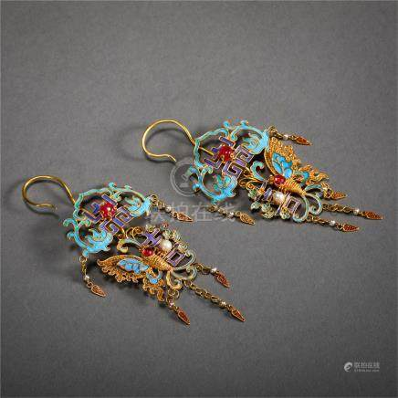 PAIR OF CHINESE PURE GOLD ENAMEL KINGFISHER FEATHER DÉCOR EARRINGS