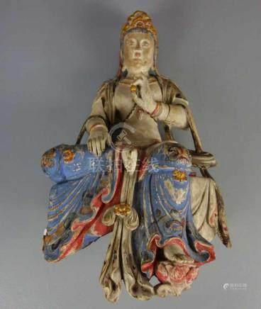 GUANYIN / WASSER-MOND-GUANYIN, Holz, geschnitzt und farbig gefasst, wohl späte Qing Dynastie (