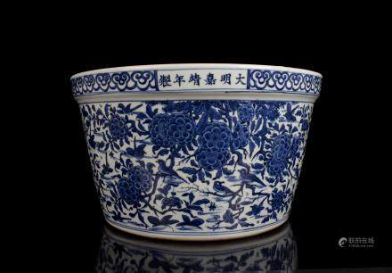 CHINESE BLUE WHITE PORCELAIN JARDINIERE