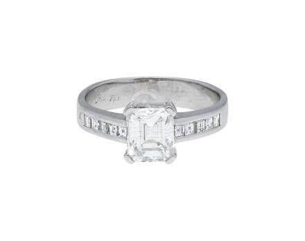 Diamant Ring, excellente Juweliersarbeit in ...