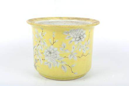 A Chinese Yellow Glazed Porcelain Planter