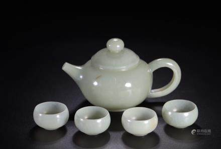 A SET OF HETIAN JADE TEAPOT AND CUP