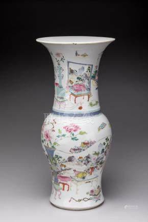 CHINE - XVIIIe-XIXe  VASE en porcelaine de forme YANYAN à décor en émaux polych