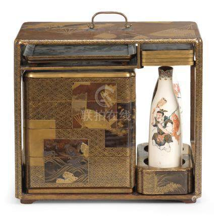A gold-lacquer sage-jubako (portable picnic set) Edo period (1615-1868), early/mid-19th century (15)