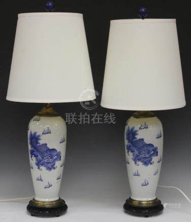 PAIR OF VINTAGE CHINESE BLUE & WHITE VASES/LAMPS