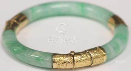CHINESE JADE 14KT YELLOW GOLD BANGLE BRACELET