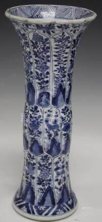 CHINESE BLUE AND WHITE PORCELAIN VASE, KANGXI MARK
