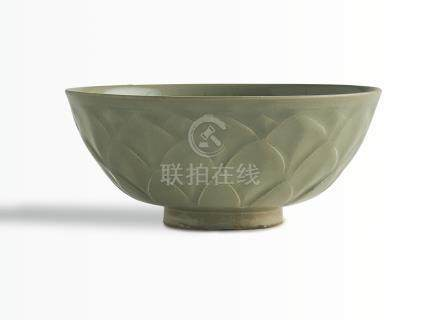 北宋   耀州窰青釉蓮瓣紋盌