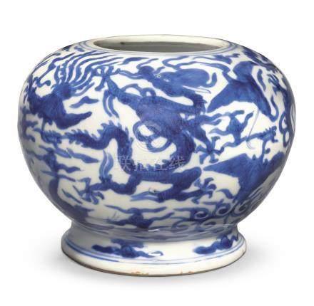 明萬曆   青花龍鳳呈祥紋罐 《大明萬曆年製》款