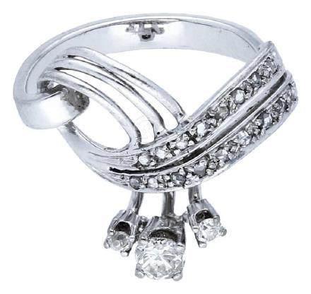 Diamant Ring, feine Juwelierarbeit, in Weissgold ...