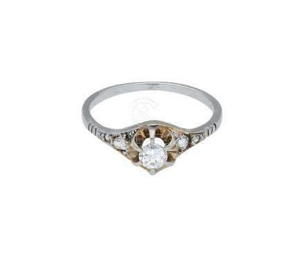 Diamant Goldset, bestehend aus Ring und ...