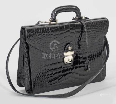 Vintage Damenhandtasche von Gianni VersaceSchwarzes, glänzendes Krokodilleder s