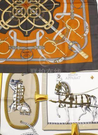 "Zwei Seidentücher ""Eperon d`Or"" & ""Grand Apparat"" von Hermès sog. ""le Carré"". Q"