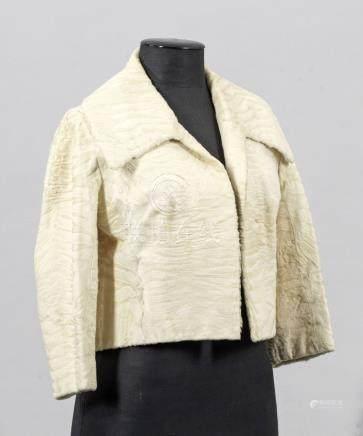 Vintage Bolero-JäckchenTaillenlange, gerade und weit geschnittene Jacke aus cre