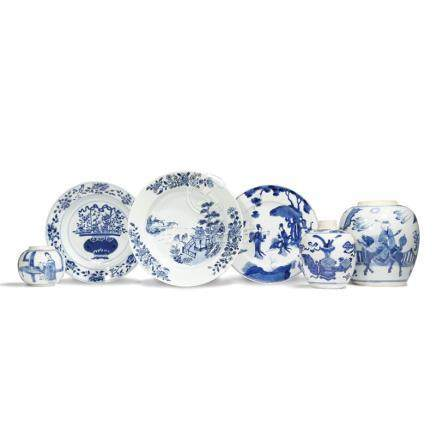 THREE CHINESE BLUE AND WHITE OVOID VASES AND THREE DISHES