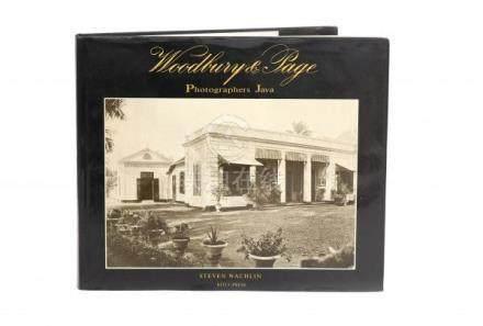 Steven Wachlin. Woodbury & Page. Photographers Java. KITLV Press. Leiden, 1994. With dutswrap.