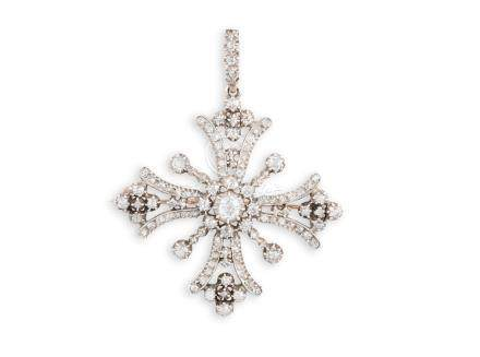 AN EARLY 19TH CENTURY DIAMOND MALTESE PENDANT/BROOCH, CIRCA 1825Set centrally w