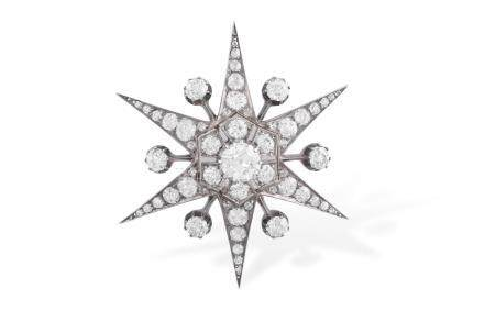 A LATE 19TH CENTURY DIAMOND STAR BROOCH, CIRCA 1890Designed as a six-rayed star