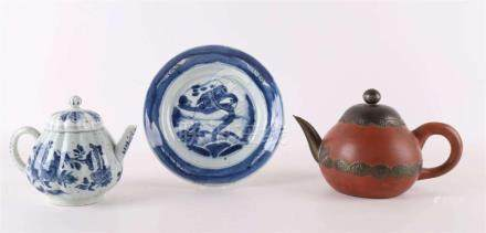 A lot of various Chinese porcelain, 18th century.