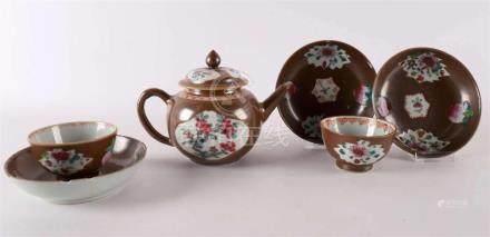 A porcelain famille rose fur convex draft pot, China Qianlon