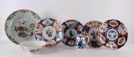 A lot of diverse Japanese and Chinese porcelain from the 19t