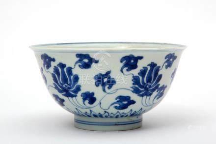 A blue & white flower scroll bowl