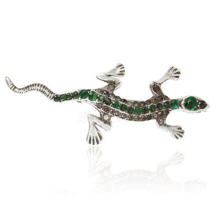 AN ANTIQUE PASTE LIZARD BROOCH in silver, jewelled with