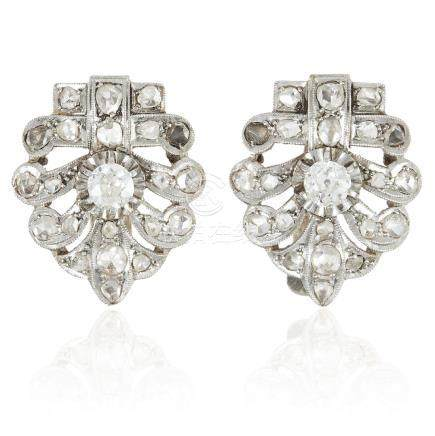A PAIR OF ART DECO DIAMOND EARRINGS, SPANISH EARLY 20TH