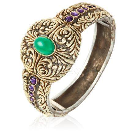 AN ANTIQUE CHRYSOPRASE AND AMETHYST BANGLE, SPANISH