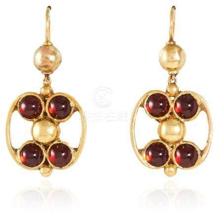 A PAIR OF ANTIQUE GARNET EARRINGS in high carat yellow