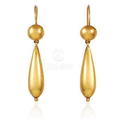 A PAIR OF ANTIQUE GOLD DROP EARRINGS in high carat