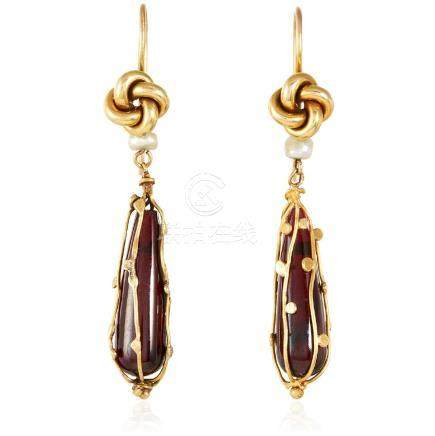 A PAIR OF ANTIQUE GARNET AND PEARL EARRINGS in high