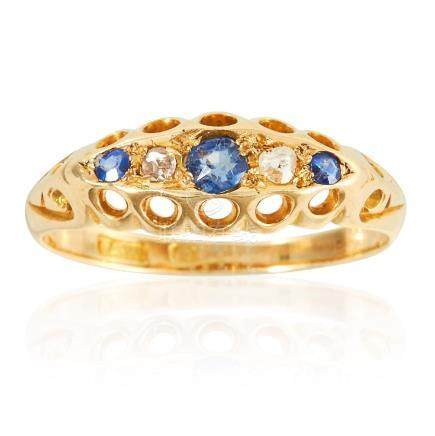 AN ANTIQUE SAPPHIRE AND DIAMOND FIVE STONE RING in