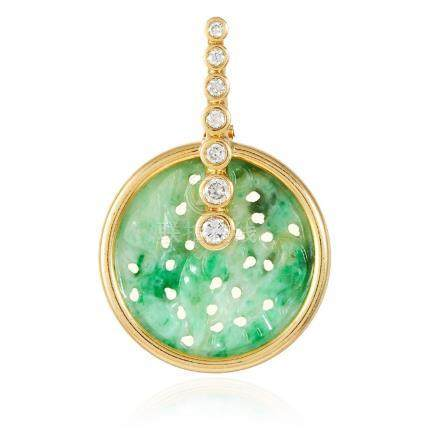 A JADEITE JADE AND DIAMOND PENDANT in 18ct yellow gold,