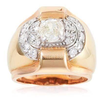 A DIAMOND DRESS RING, CIRCA 1940 in 18ct yellow gold,