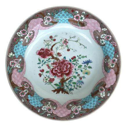 A 19th century famille rose charger, 34.7cmD