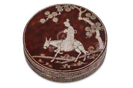 A CHINESE LACQUER MOTHER-OF-PEARL INLAID CIRCULAR BOX AND COVER.